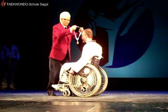 Andi bekommt eine Goldmedaille für seinen Lebenserfolg, 15.1.2011